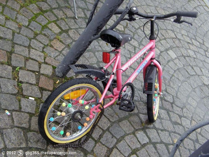 Child's bicycle with broken chain