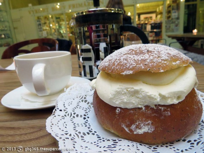 Semla with coffee