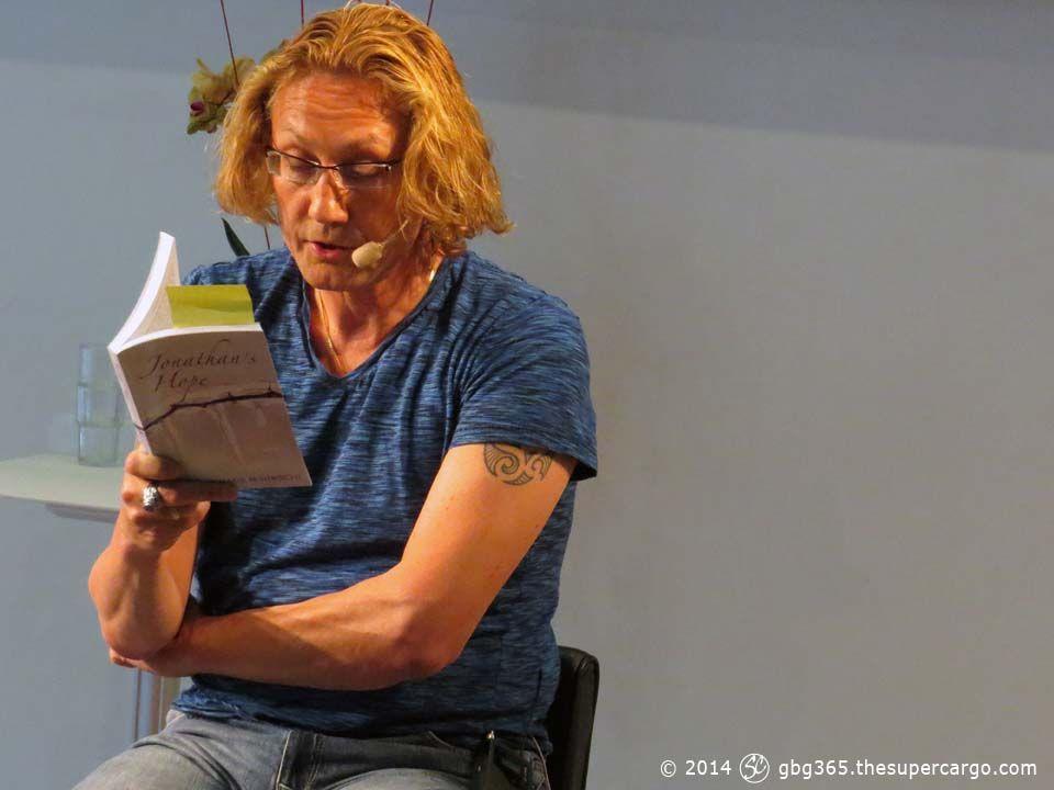 hans-hirschi-reading-2.jpg